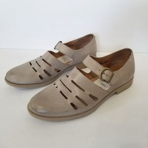 BORN Henrika Light Grey Cut Out Leather Shoes